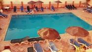 """Un tuffo a Marrakesh: """"Rimasi semplicemente incantata. Mi sembrava di essere dentro ad un dipinto..finchè mi tuffai in quella meraviglia di colori e le goccioline d'acqua mi rinfrescarono l'anima"""" (citazione di me stessa ah ah ah)."""